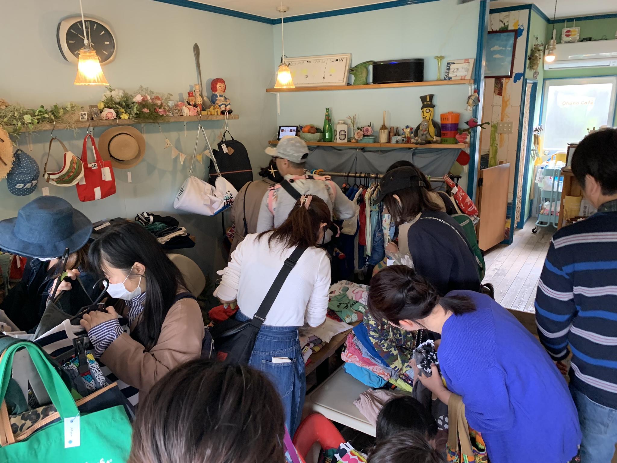 フリーマーケット in Ohana Café