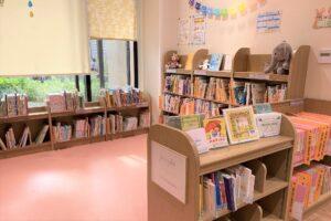 にいじゅく地区図書館)絵本コーナー
